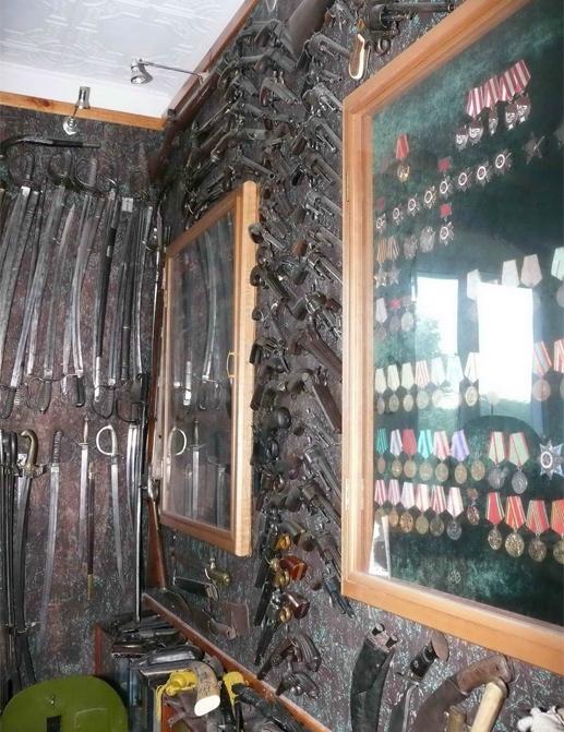Коллекция старинного оружия Леонида Петрашина. Пока в его квартире...