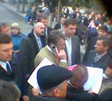 Виктор Ющенко во время встречи с запорожцами снова звонит Юрию Артеменко