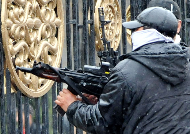 Бунт в Кыргызстане - видео! ОБНОВЛЕНО