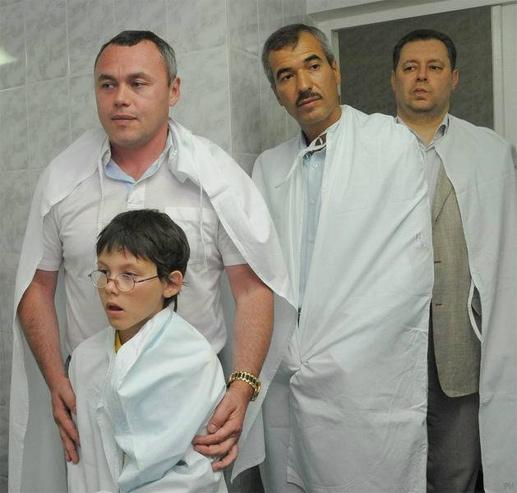 Владимир Кальцев - второй справа